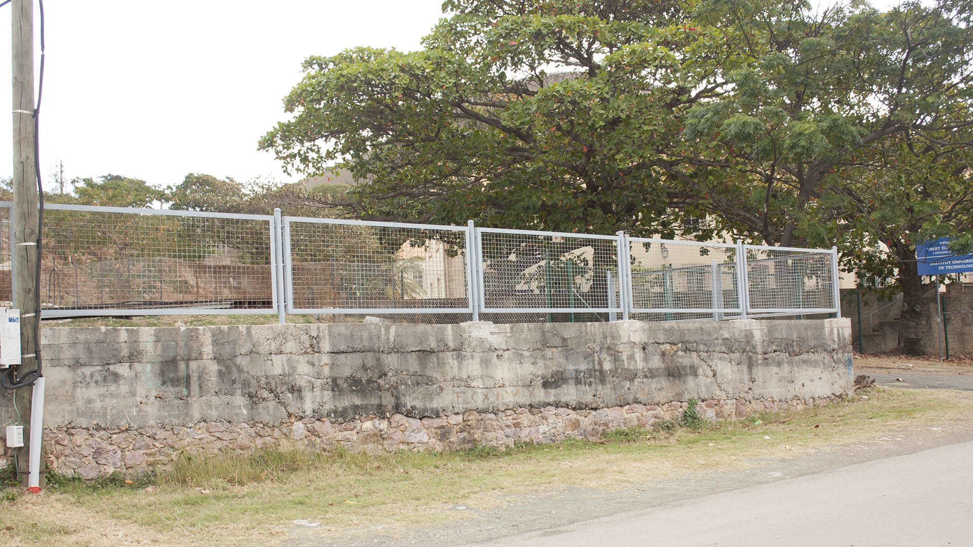 image actuelle de Look from the Penitentiary road